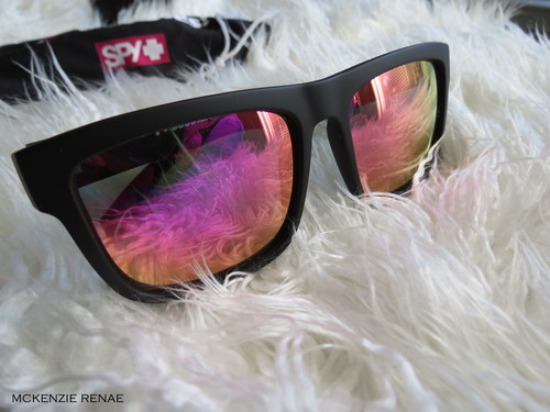 Giveaway For A Cause: SPY Discord Sunnies: Breast Cancer Edition